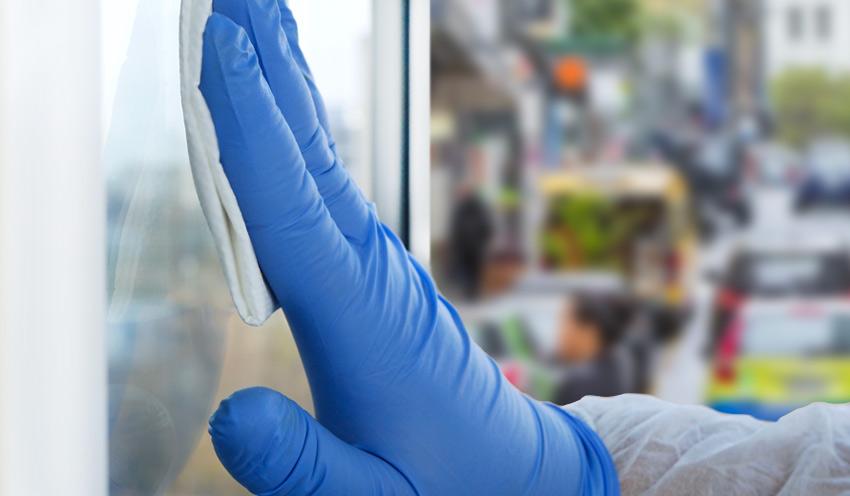 Rimuovere i batteri dal display touchscreen